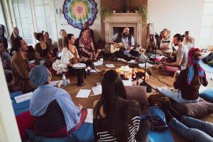 Yoga live muziek en mantra
